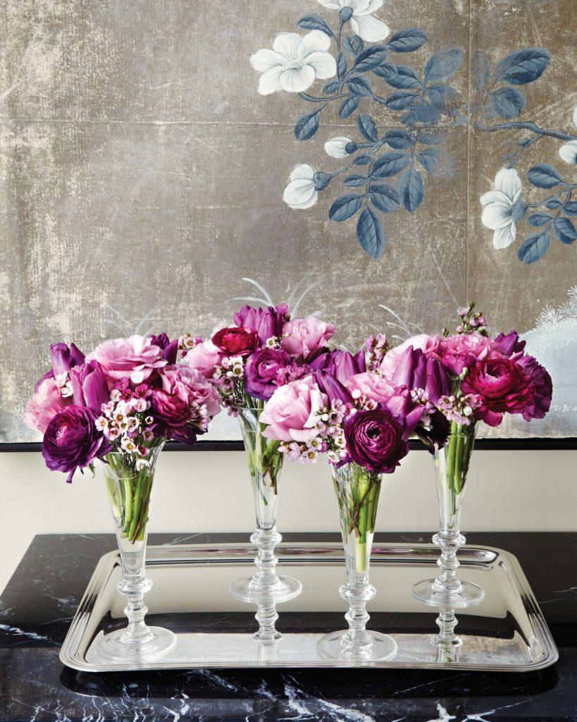 Elegant champagne glasses - creative vase ideas